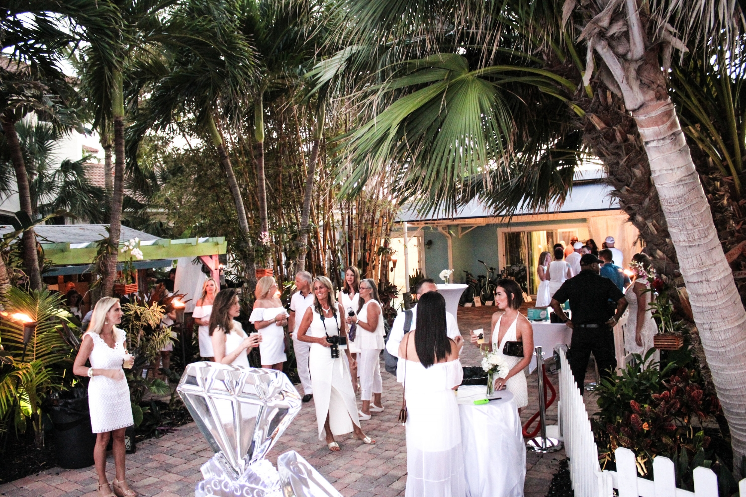WHITEparty2018-40.jpg
