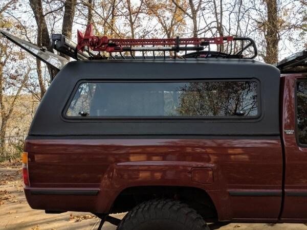 exterior view aluminum truck topper swing window