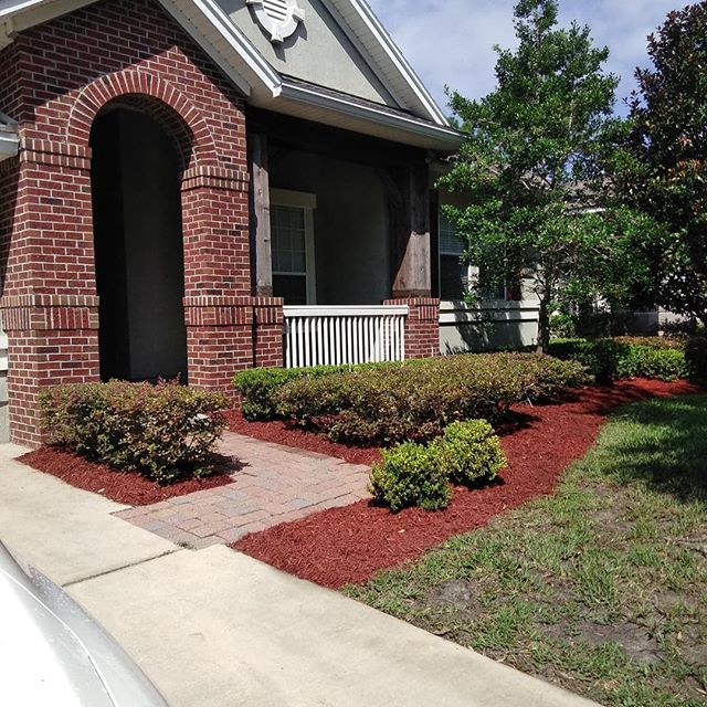 Another satisfied customer.  Need a landscape company? We are here to better assist you.  Call us (904)891-6064 - PapisLawnService.com #papislawnservices #papislandscaping #lawnservices #landscape