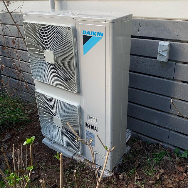 Daikin 16kw ducted system installed with iZone wifi control for an air BnB in Red Hill. This gives the client the ability to turn the system on before the clients arrive.  #hydeheatingandcooling