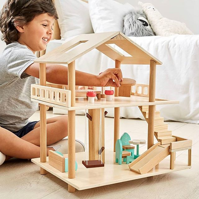 Now, how adorable is this little play-set from @kmartaus!  Did you know that kid's today spend an average of 5-6 hours a day watching screens? Let your little one's imaginations run wild instead 🥰  #ProtectABedAU