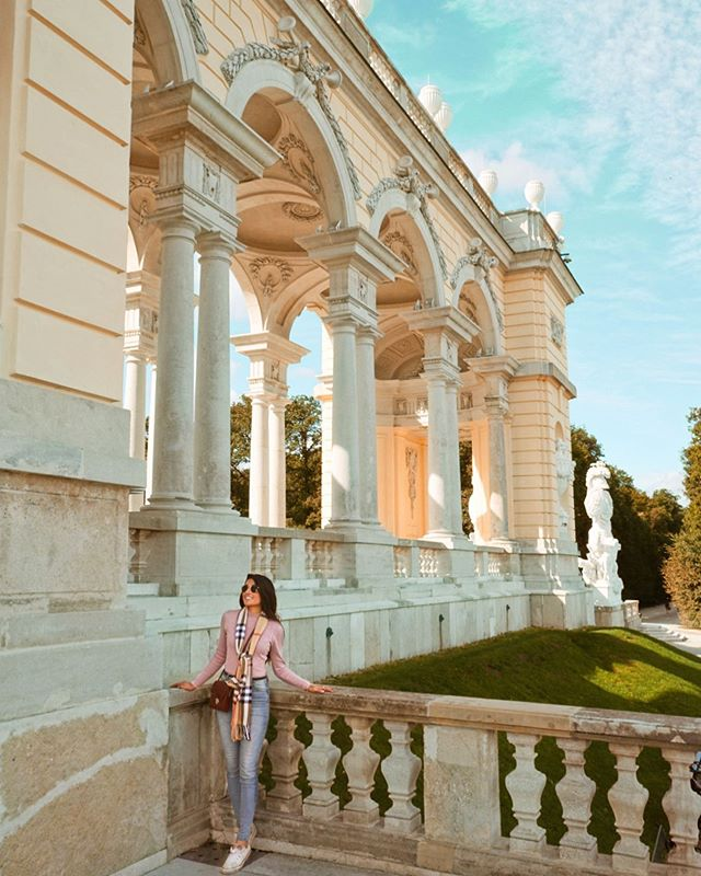 Schönbrunn Palace is straight out of a story book.✨ • The palace itself has over 1,440 rooms and served as a summer home for Maria Theresa & the Habsburg dominion.🤯 However, we didn't even go inside the palace... and managed to spend an entire morning there!🤩😂 • The gardens surrounding the property are absolutely gorgeous and MASSIVE!🌸🌺🌼 You could easily spend an entire day just exploring the gardens on their own!😍 . . . #vienna #viennaaustria #austria #travelaustria #visitvienna #travelvienna #austriatravel #eurailpass #visitaustria #wearetravelgirls #eurotrip #schonbrunn #schonbrunnpalace #journeysofgirls #travelgirlshub #travelcommunity #besttravelpics #travelgirlsgo #travelwomen #womentravel #besteuropepics #bestcommunitytravel #wanderontravelcommunity #womentravel #travelblog #travelblogger #thewanderingtourist #sheisnotlost #roamingwomen #roamingnaomi