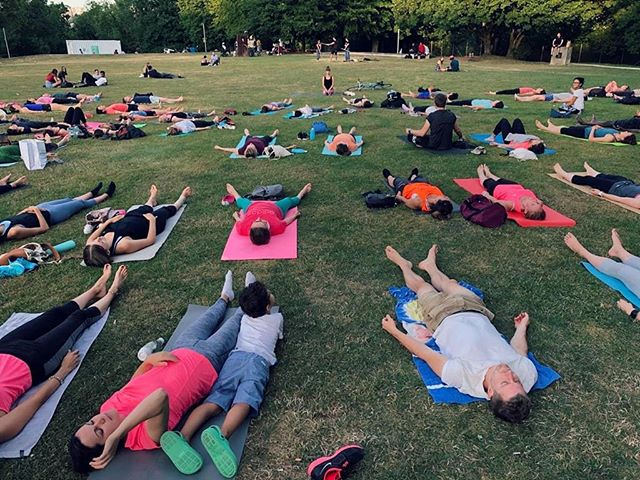 A few photos I received from my park yoga class last week. If you want to join for the next ones they're on Thursday 8 August at 19h30 and Saturday 24 August at 8h30. You'll find us in Grand Places.  Message me for any questions or check the details on my Facebook page. 🌳🙏☀️