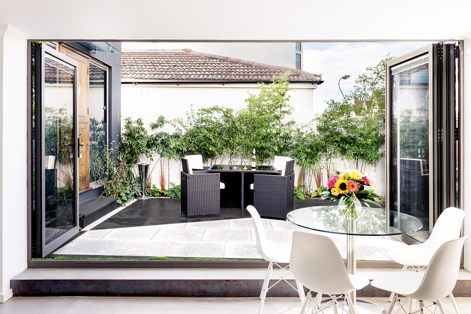 alfresco dining and modern clean spaces