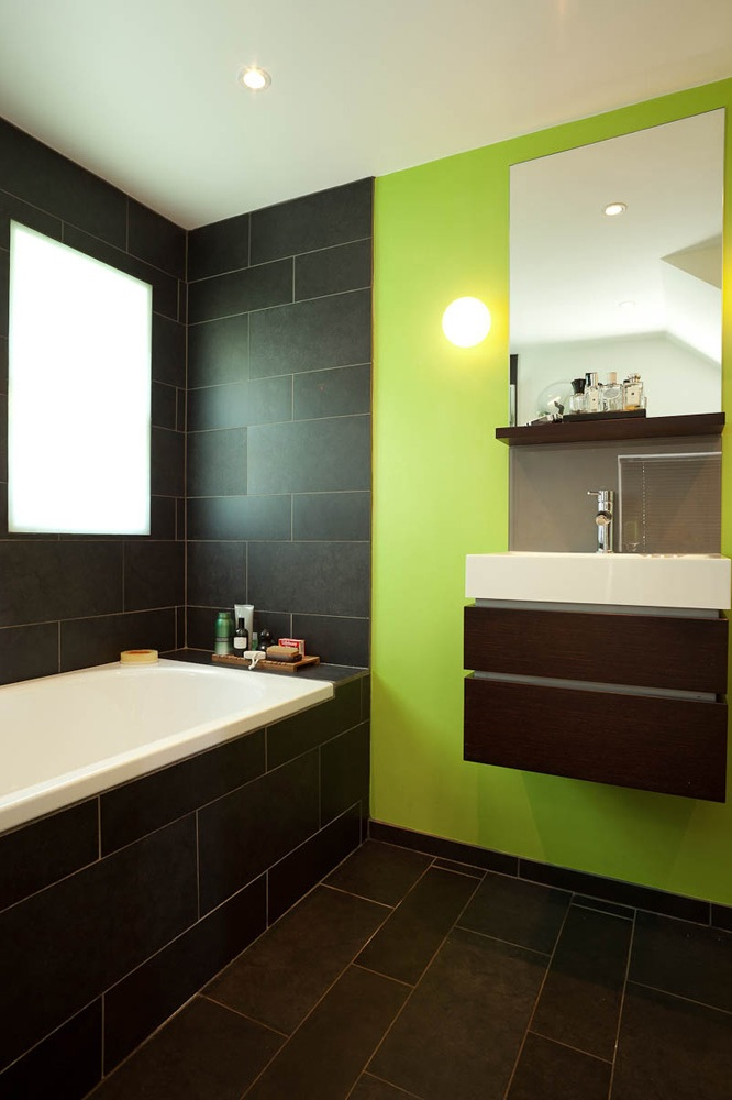 black and lime green modern and funky bathroom