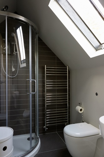 loft bathroom black tiles