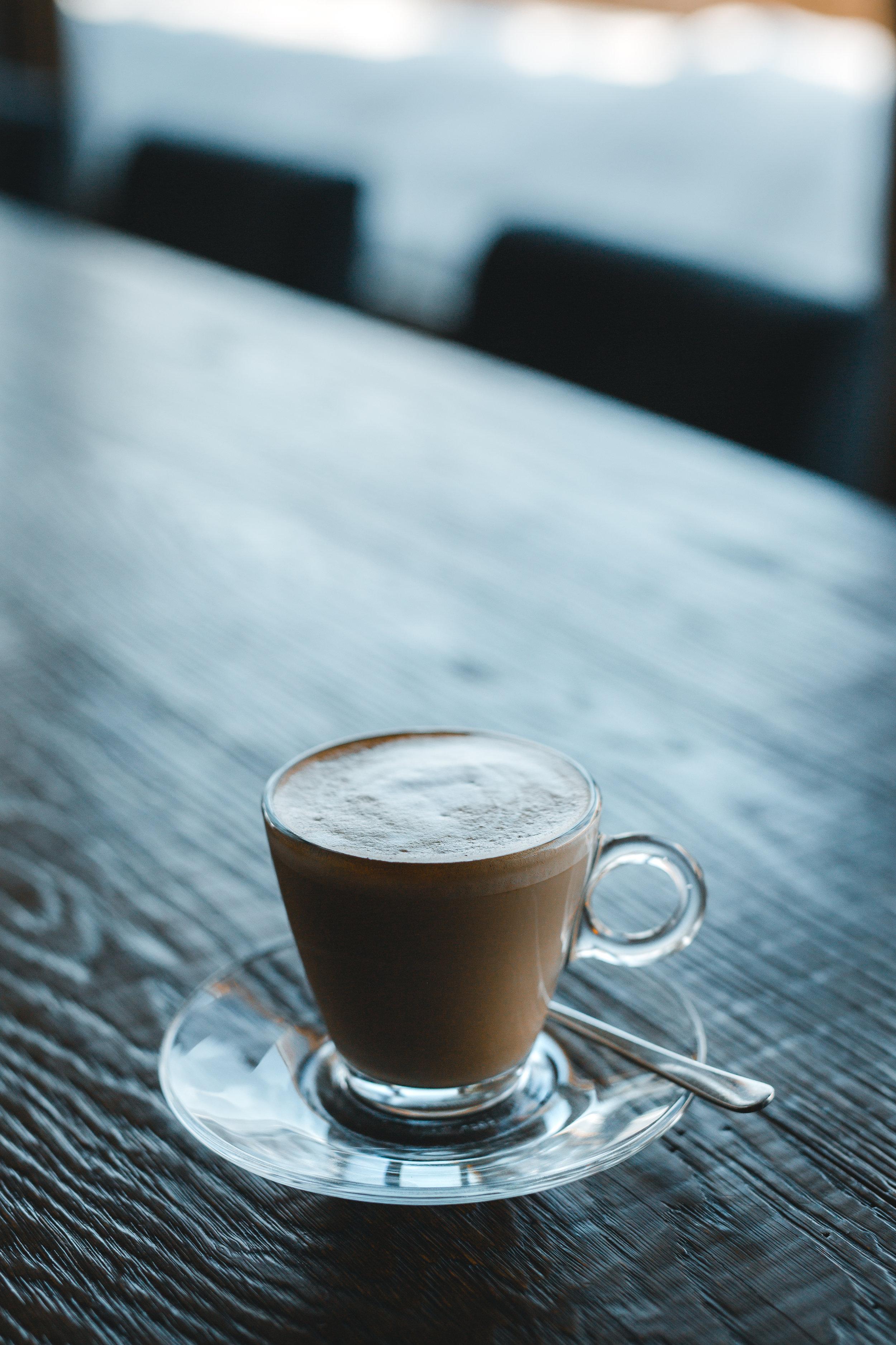 Auch Sie trinken Kaffee? Gut so! - Im Dienste unserer Kunden wirken wir täglich mit unendlich Ehrgeiz & Leidenschaft an vielseitig kreativen Lösungen und pflegen dabei einen sehr familiären Grundgedanken, um die von uns massgeschneiderten Leistungen, gemeinsam mit unseren Partner für Sie umsetzen zu können. Gerne beraten wir Sie bei einem gemeinsamen Kaffee.