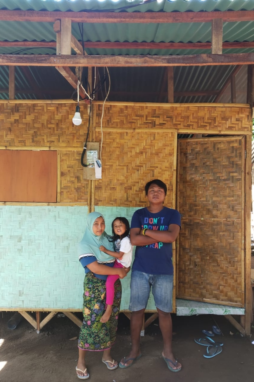 House.13 - Pak Agus & FamilyNumber of residents: 3Location: Tandjung, Lombok