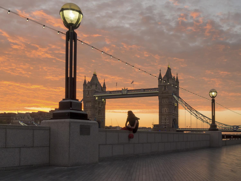 Tower Bridge Sunrise.jpg