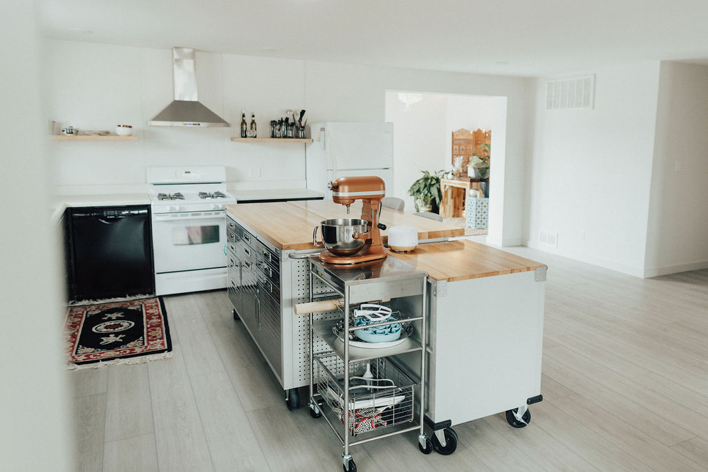 Nice, clean, and simple. Just what I was wanting and would still look great for whenever I update the appliances or change the counter top or update the cabinets.
