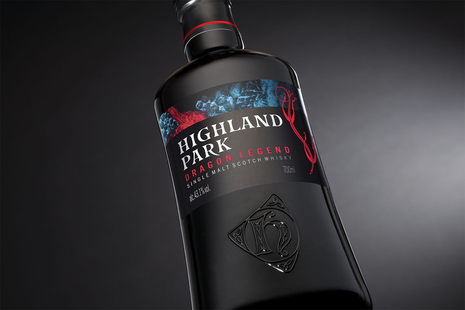 Mountain_Agency_Glasgow_Highland Park_Dragon Legend_001.jpg