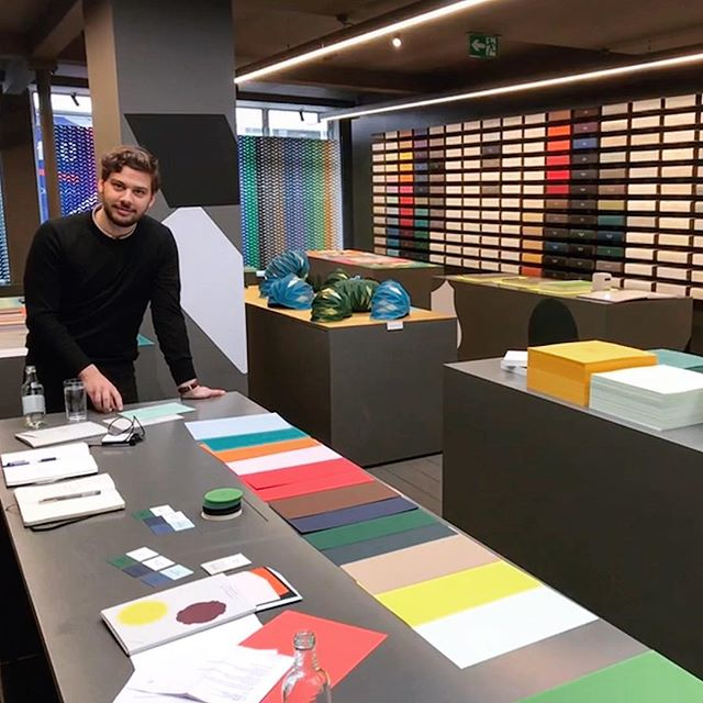 Our Art Director @lucastsiotas on a visit to a world of colours in London 🎨 🧐 @gfsmithpapers @colorplan_papers  #packaging #colourplan #packrebels #newcolourforthefuture