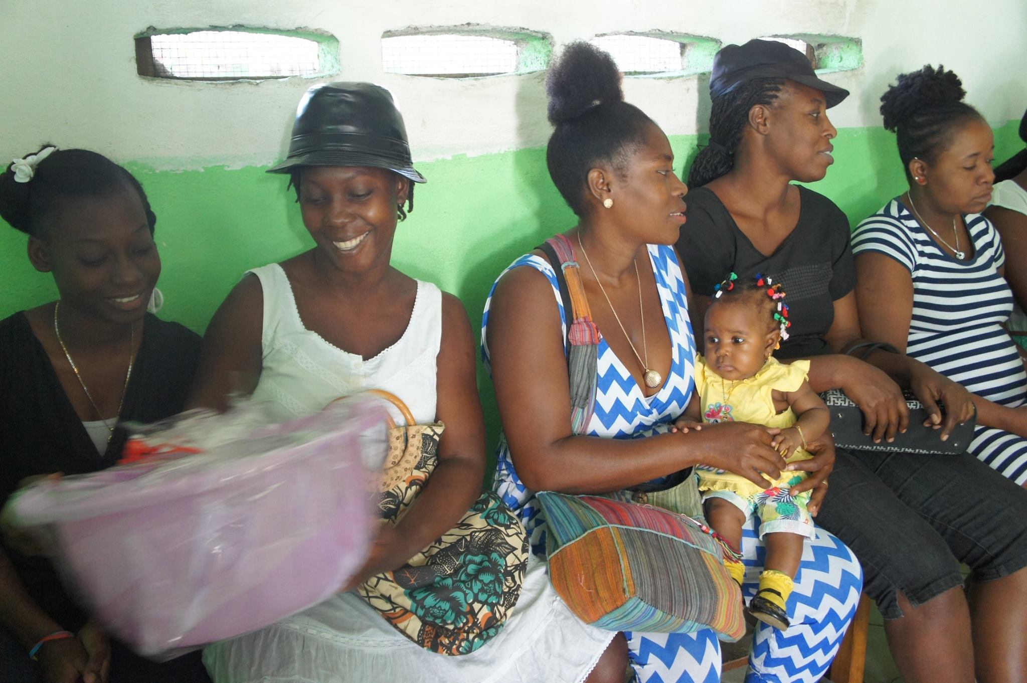 bethesda pregnant moms group 4-17 c.jpg