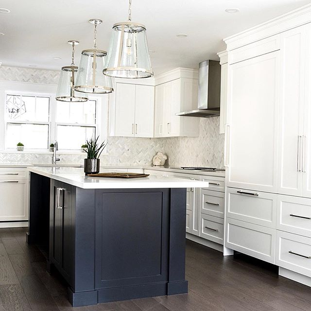 This beautiful kitchen speaks for itself. With so many layers of texture and soft colours Batteaux Creek Kitchens has created this clients dream kitchen. Every square inch of space available was used to provide custom storage solutions. #batteauxcreekkitchens #whitekitchen #herringbonetile #caesarstonecalcuttanuvo #customkitchen