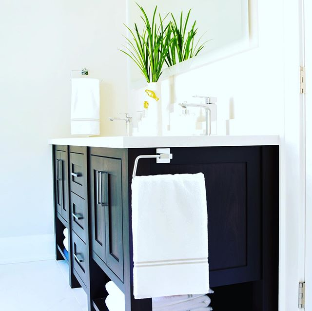 One of my favourite things is designing furniture like vanities for bathrooms. I always find that it helps give the space a tranquil feel. Lets face it we could all use a little more tranquility when getting ready for the day and unwinding at the end of a long one. #batteauxcreekkitchens #vanity #vanitybathroom #tranquility #customefurniture #millwork #bathroomdecor