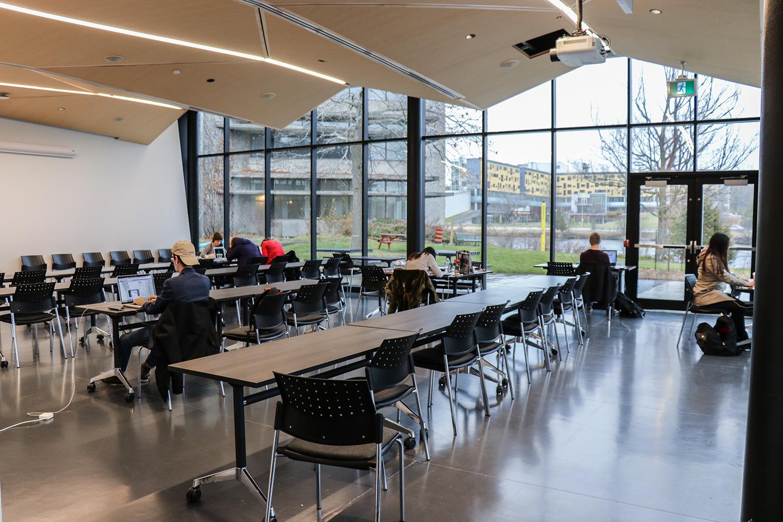 student-centre.slideshow.05.jpg