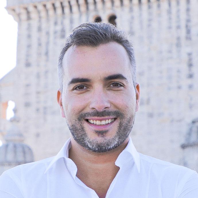 Fábio Alves  Co-Founder & CEO