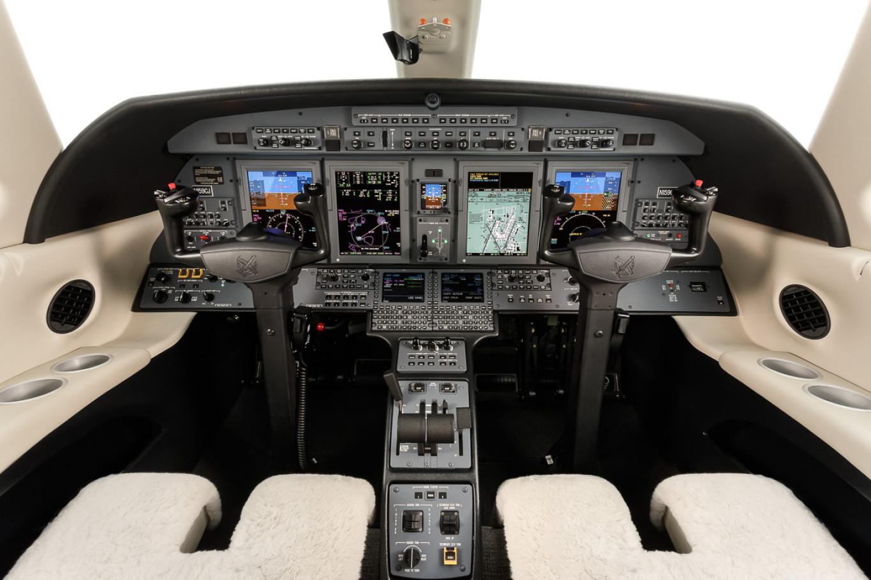 Citation_CJ4_Cock_PIT_Light-Jet_Legacy_Aviation_Private_Jet_NetJets_Jet_Charter_TEB_VNY_MIA_PBI_FRG_SFO_FLL_FXE_BED.png.jpg