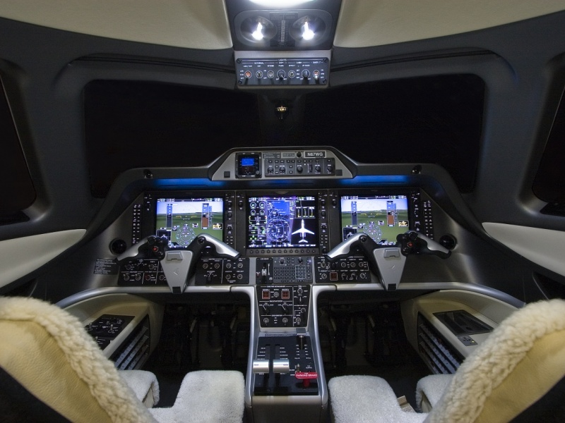 Phenom-300_Light-Jet_Cockpit_Legacy_Aviation_Private_Jet_NetJets_Jet_Charter_TEB_VNY_MIA_PBI_FRG_SFO_FLL_FXE_BED.jpg