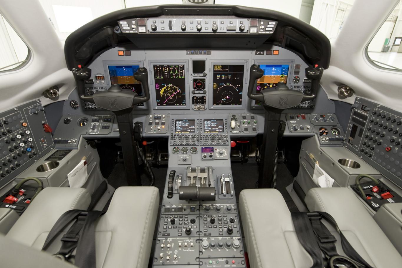 Citation-XLS+_Mid Jet_Cockpit_Legacy_Aviation_Private_Jet_NetJets_Jet_Charter_TEB_VNY_MIA_PBI_FRG_SFO_FLL_FXE_BED.jpg
