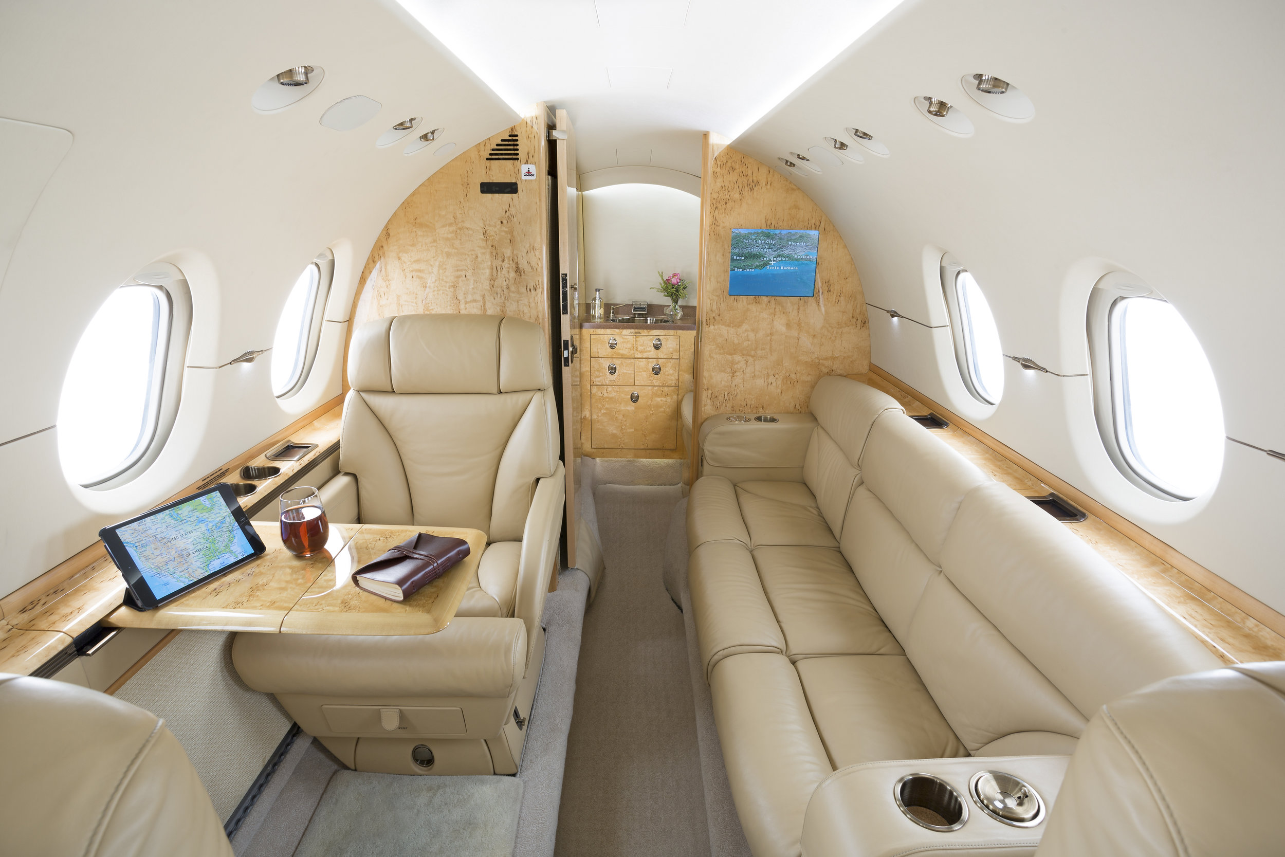 Hawker-900XP_Mid Jet_Int-3_Legacy_Aviation_Private_Jet_NetJets_Jet_Charter_TEB_VNY_MIA_PBI_FRG_SFO_FLL_FXE_BED.jpgg.jpg
