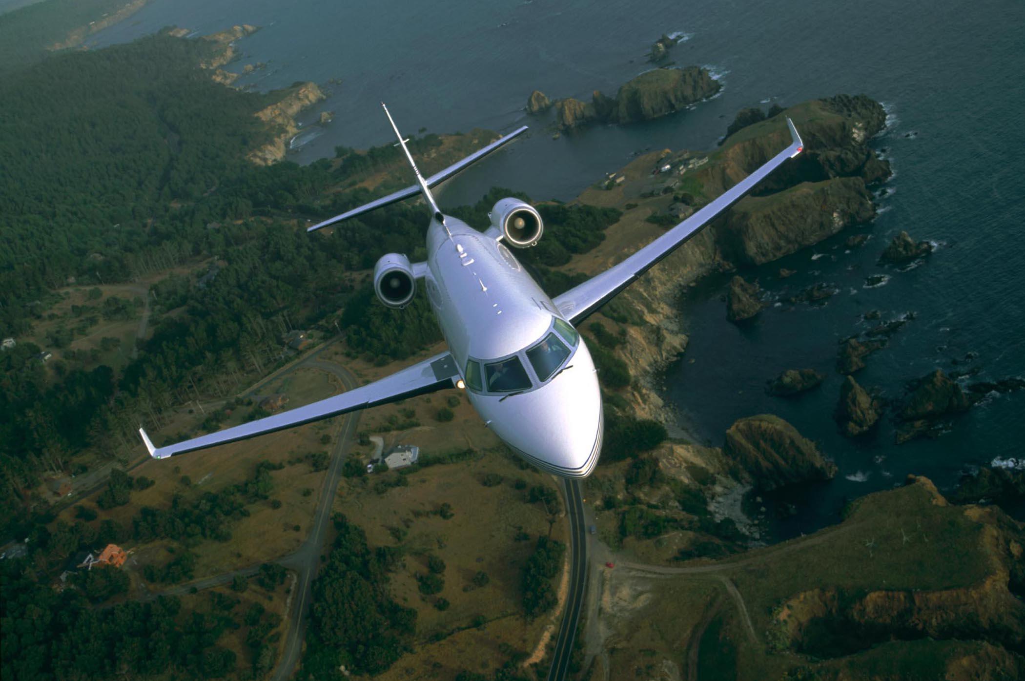 Gulfstream-G300-PrivateFly-CC-AA2965.jpg