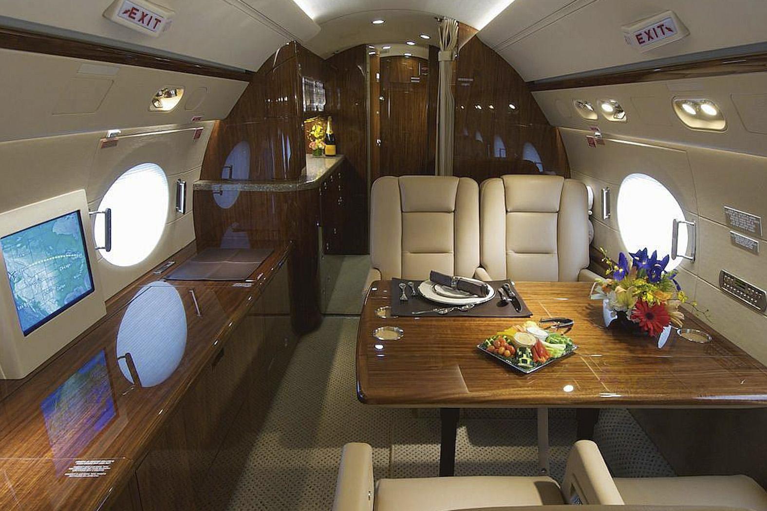 Gulfstream G300 int_tcm87-3899.jpg