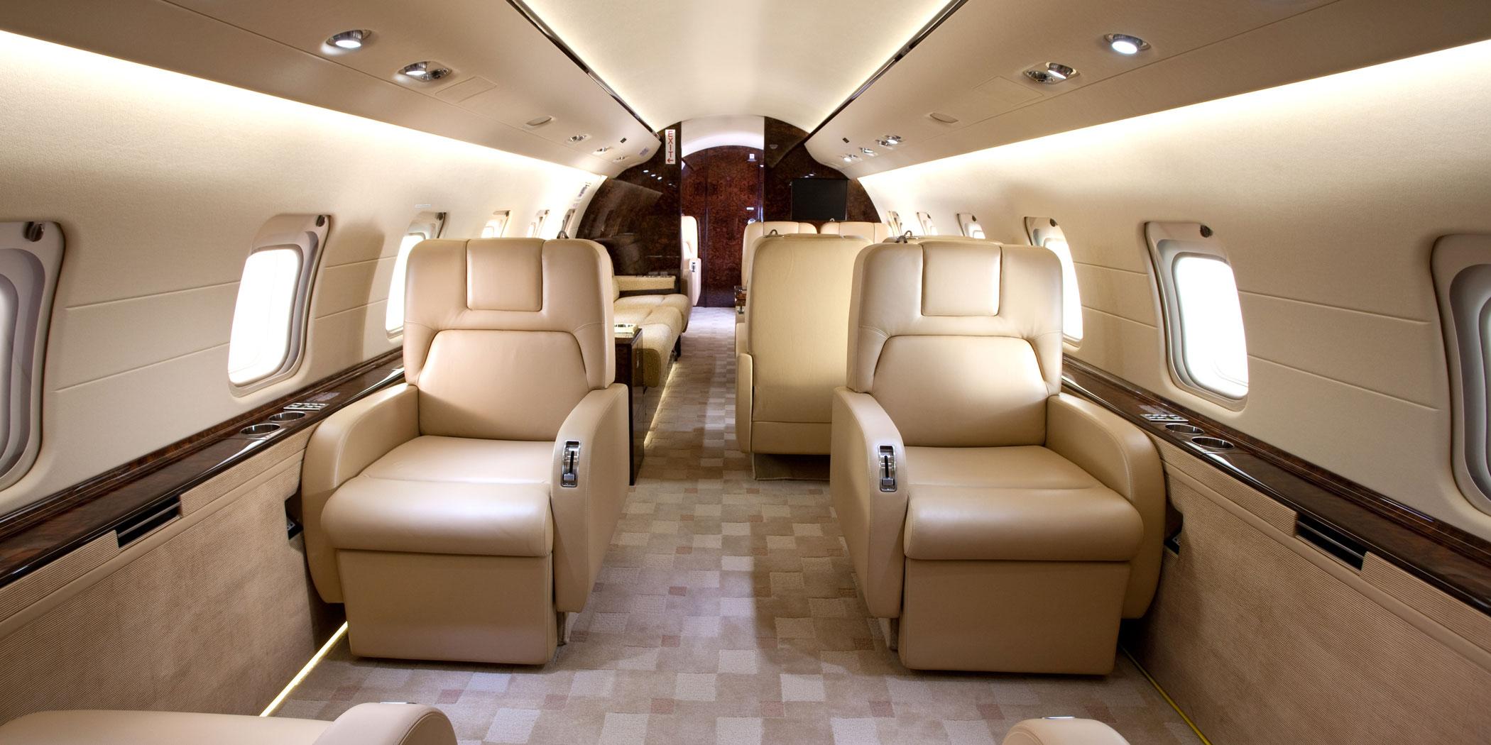challenger-850-cabin-1.jpg