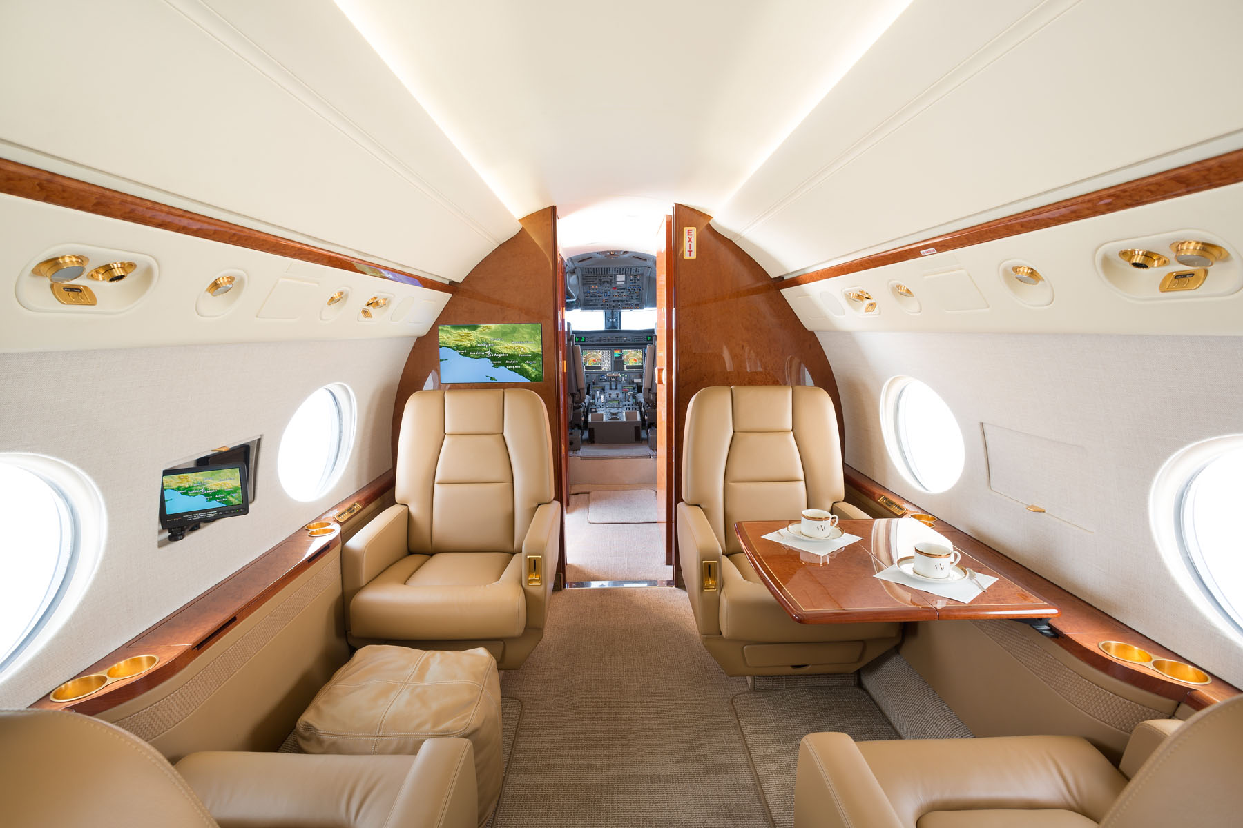 N326AZ_Interior_Club.jpg