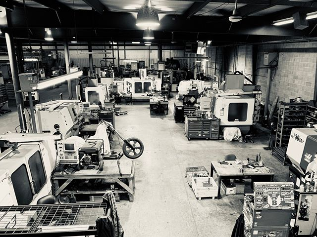 Quick peek into our 24,000 square foot shop.⠀⠀⠀⠀⠀⠀⠀⠀⠀ ⠀⠀⠀⠀⠀⠀⠀⠀⠀ #machineshop #manufacturing #cncmachining #welding #milling #metal #metalfabrication #fabrication #industrial #steel #solution #customized #machining #canada