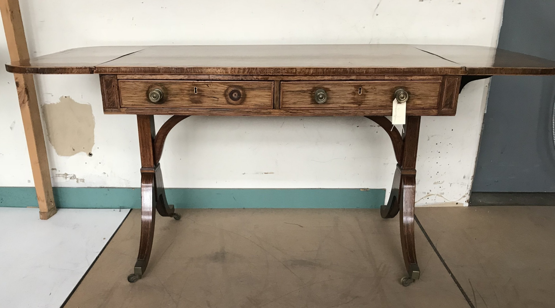 DROP-LEAF SOFA TABLE