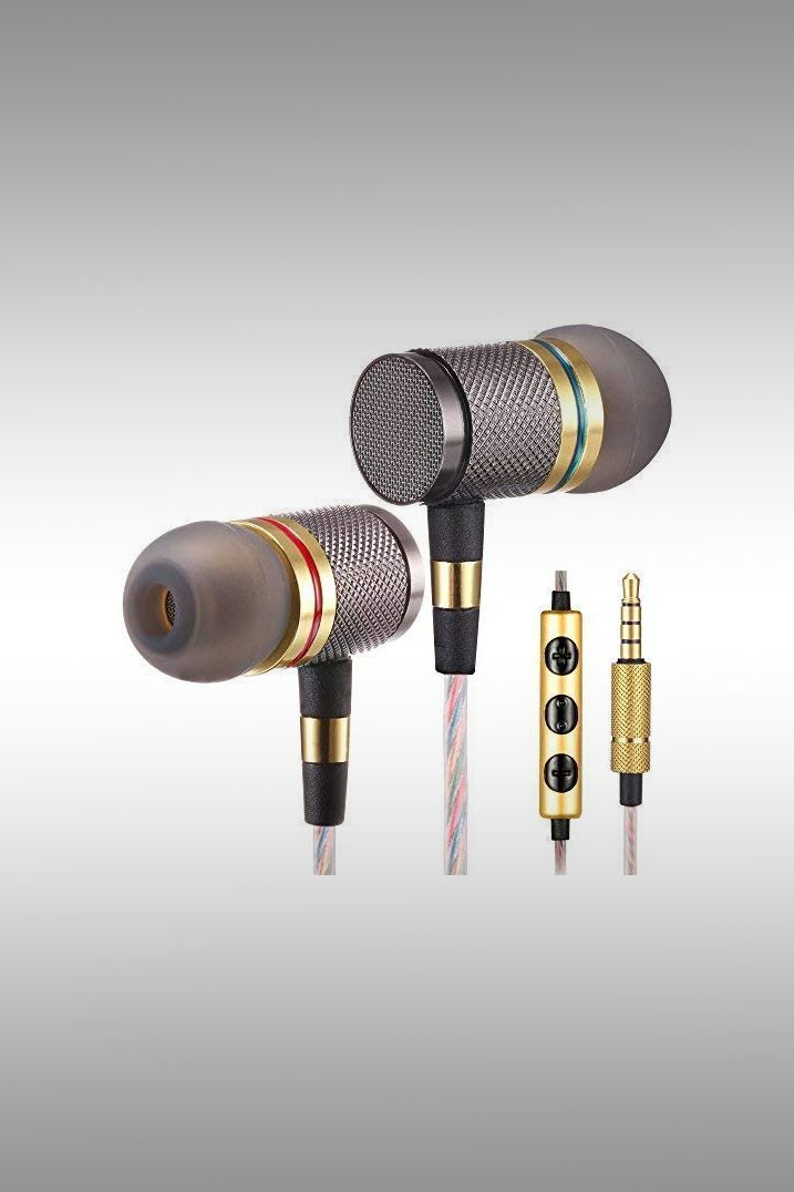 Betron YSM1000 Earbuds With Microphone - Image Credit: Betron