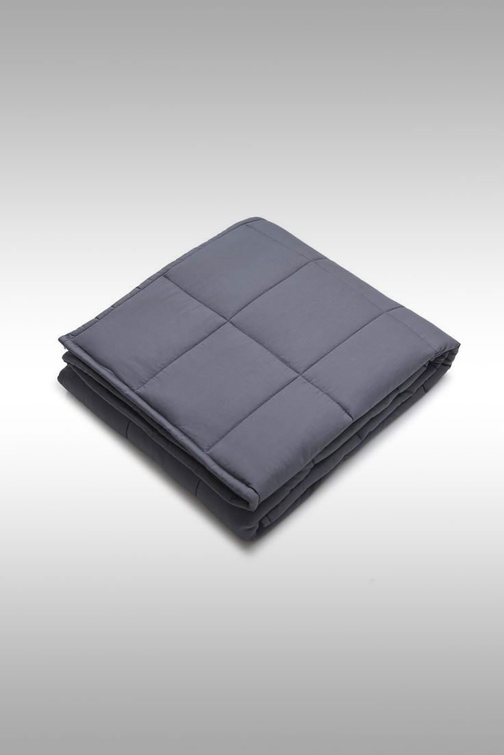 YnM Queen Size Weighted Blanket - Image Credit: YnM