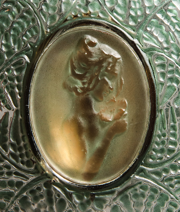 Perfume-bottle-auction-Lalique-Fougeres-detail.jpg