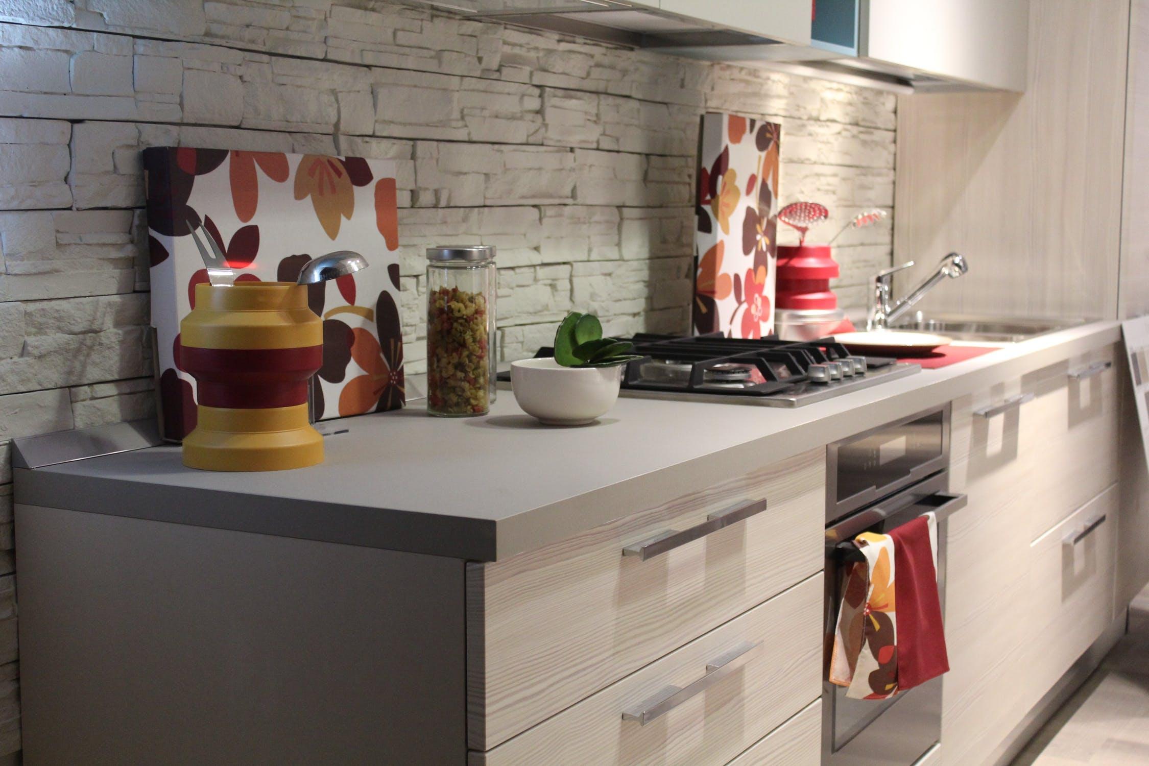 Small Kitchen ideas in studio city