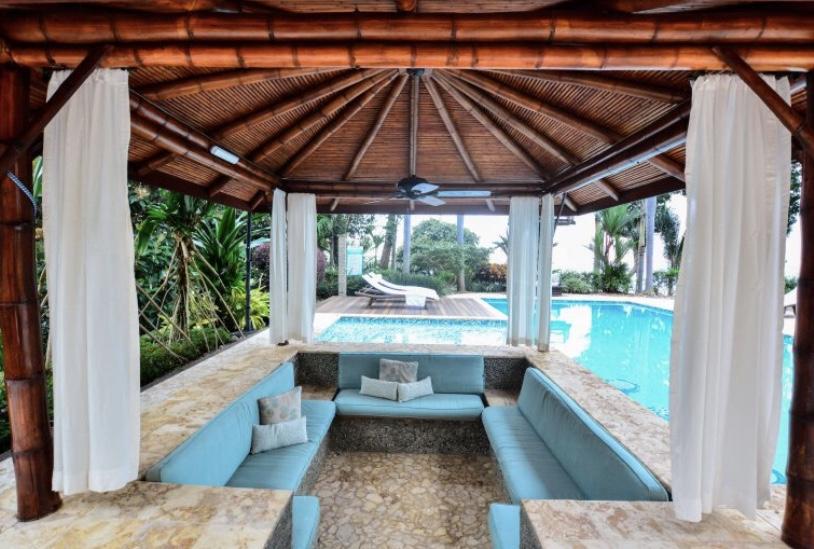 Punta Gabriella poolside lounging area