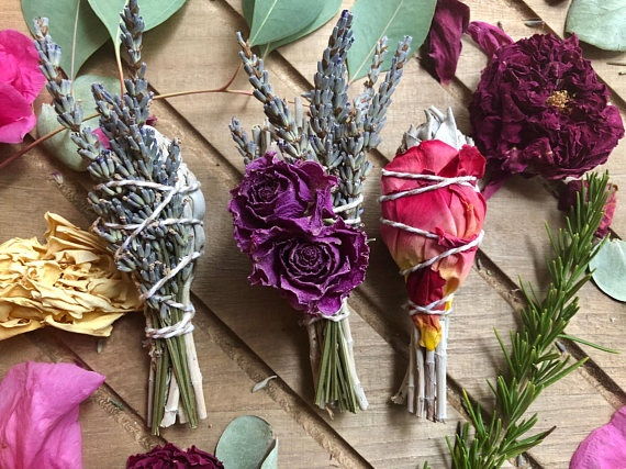 Learn to make beautiful smudge sticks  Photo: Articulturedesigns.com