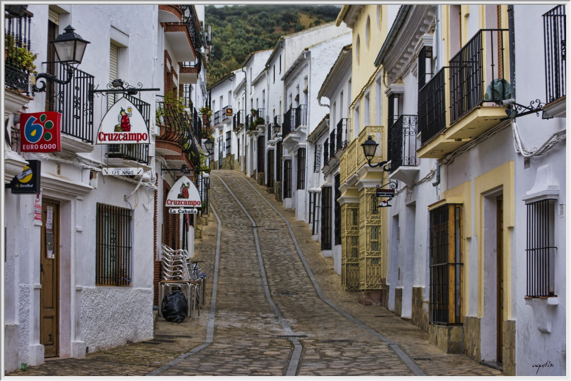 spanish town.jpeg