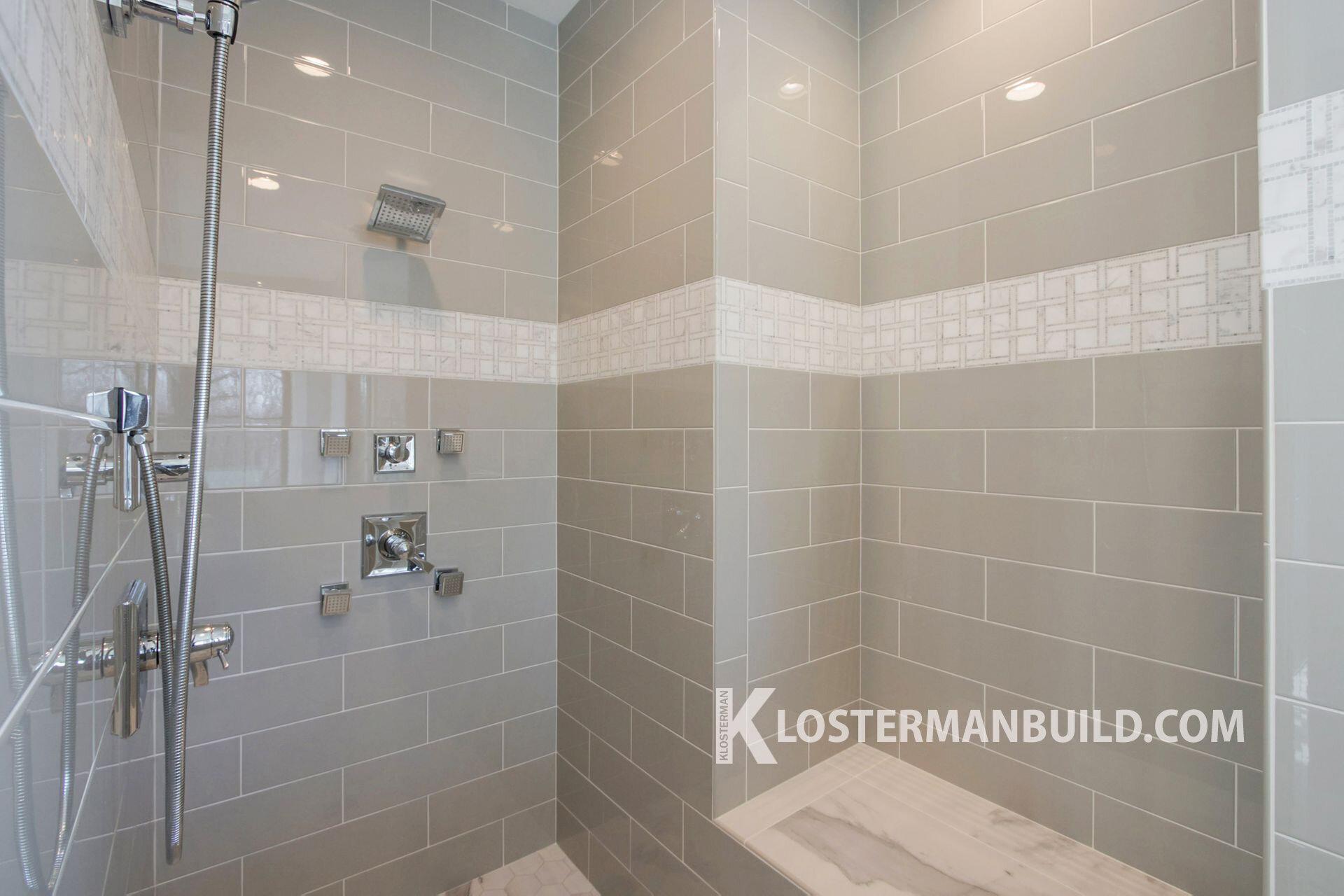 26 Master Bath 4 -W.jpg