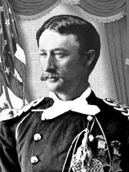 custer tom with medals.jpg
