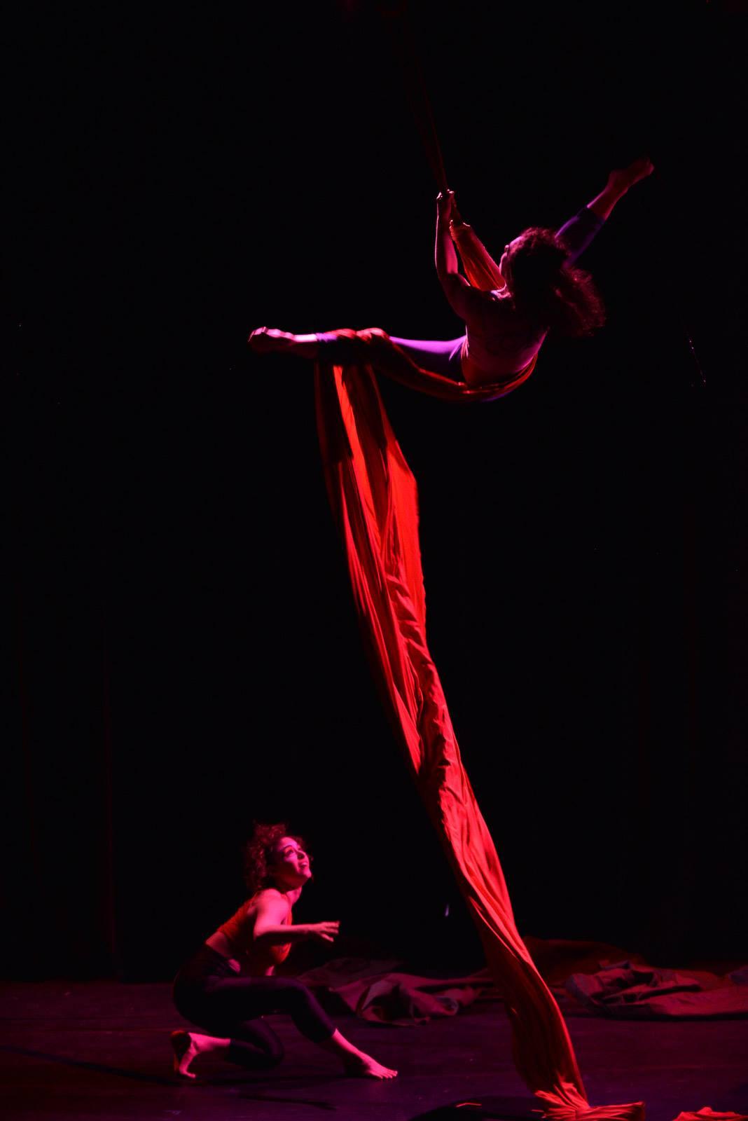 Weird - Theatre Arcturus - Top Emily Hughes - Bottom Lindsay Bellaire - photographer Andrew Alexander.jpg