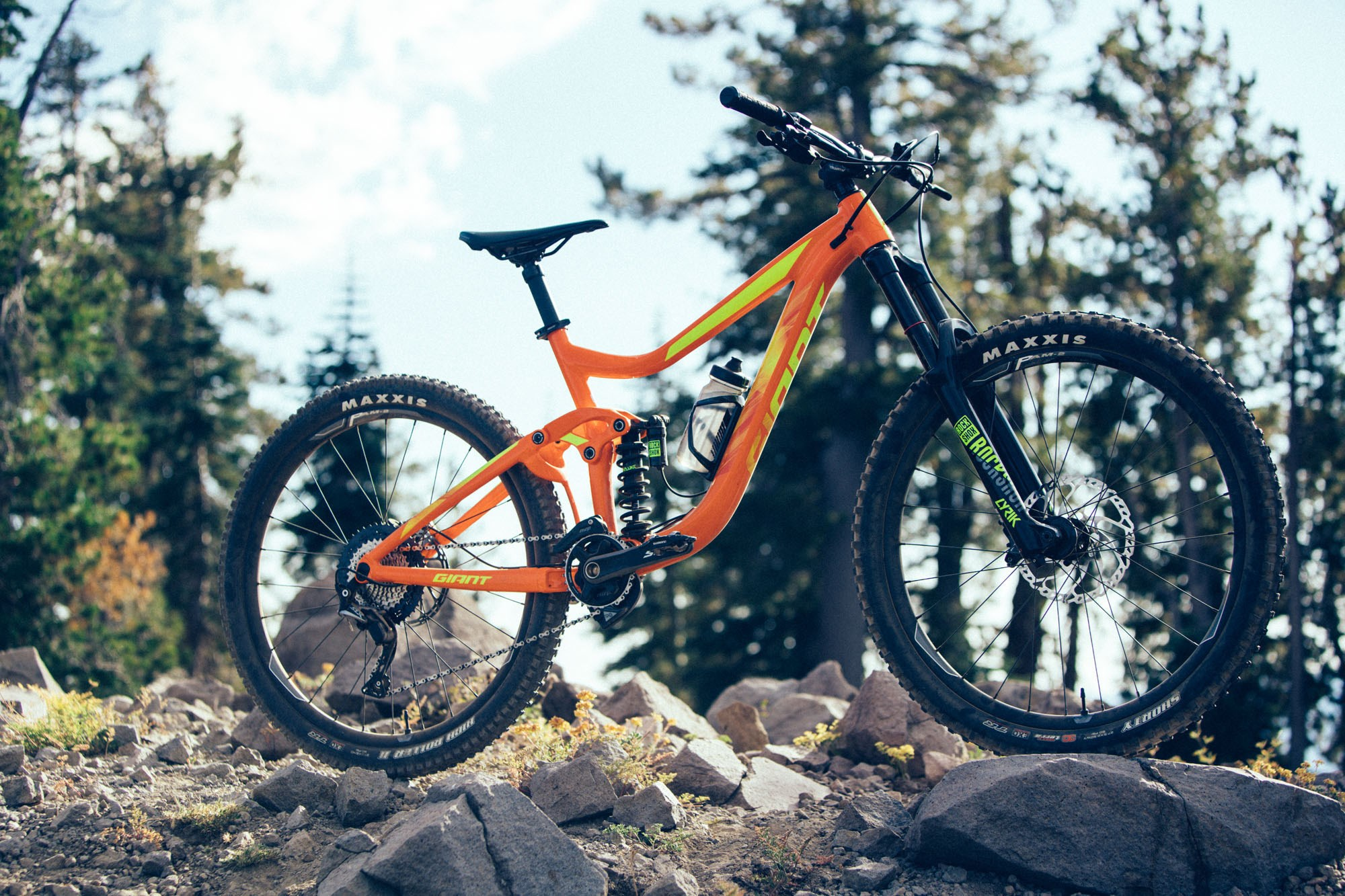 Bicycling_Reign_SX_1.jpg