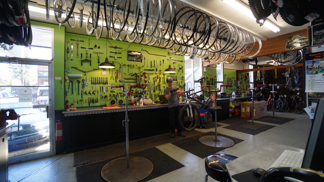 Hutchs_Bicycles_Bend_Eastside_Store_13.jpg