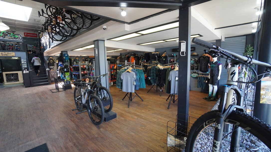 Hutchs_Bicycles_Bend_Westside_Store_10.jpg