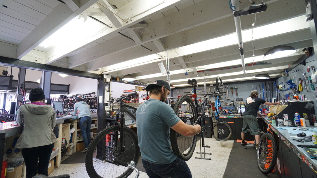 Hutchs_Bicycles_Bend_Westside_Store_20.jpg