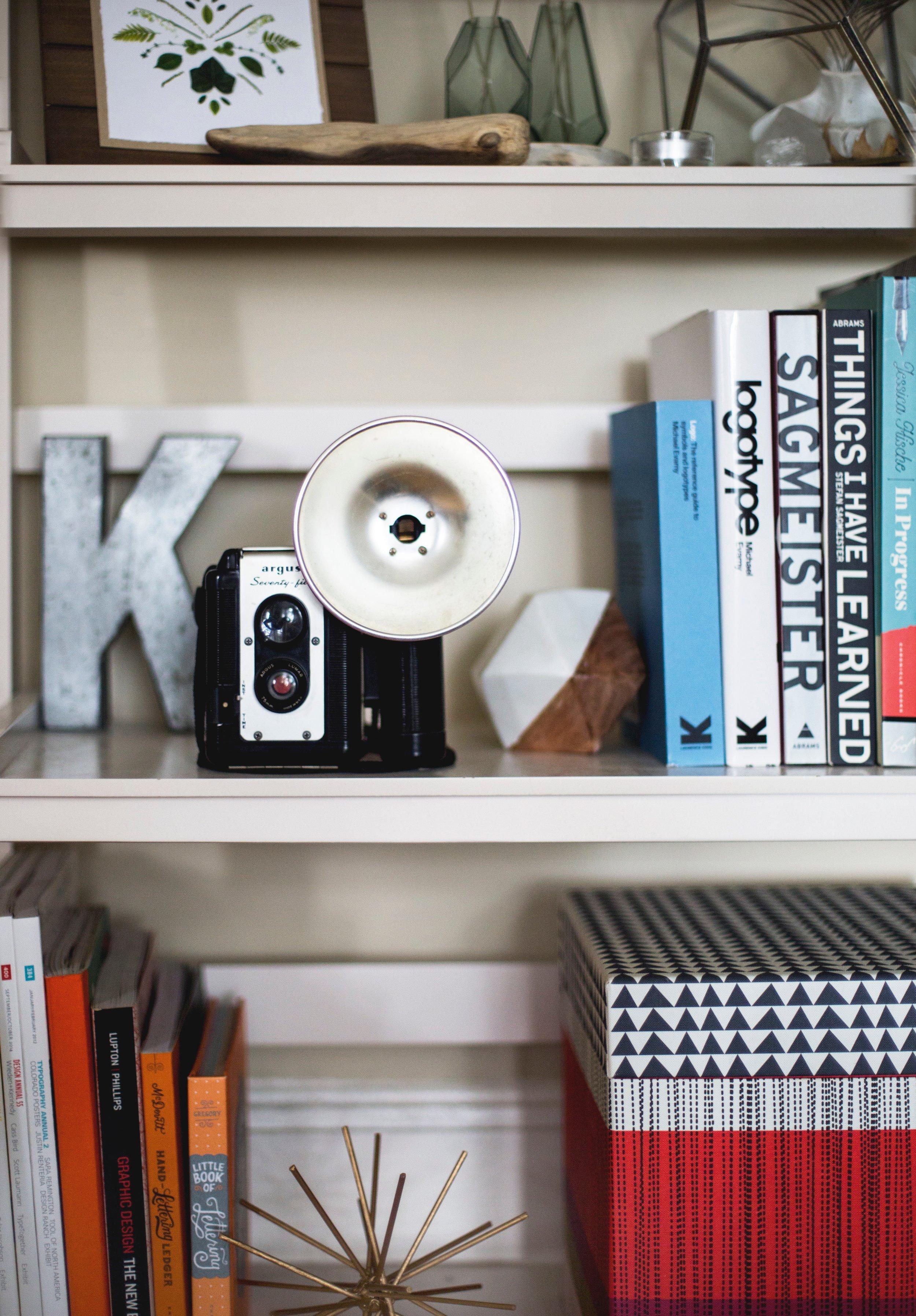 table-home-shelf-furniture-bookcase-shelving-1411395-pxhere.com (1).jpg