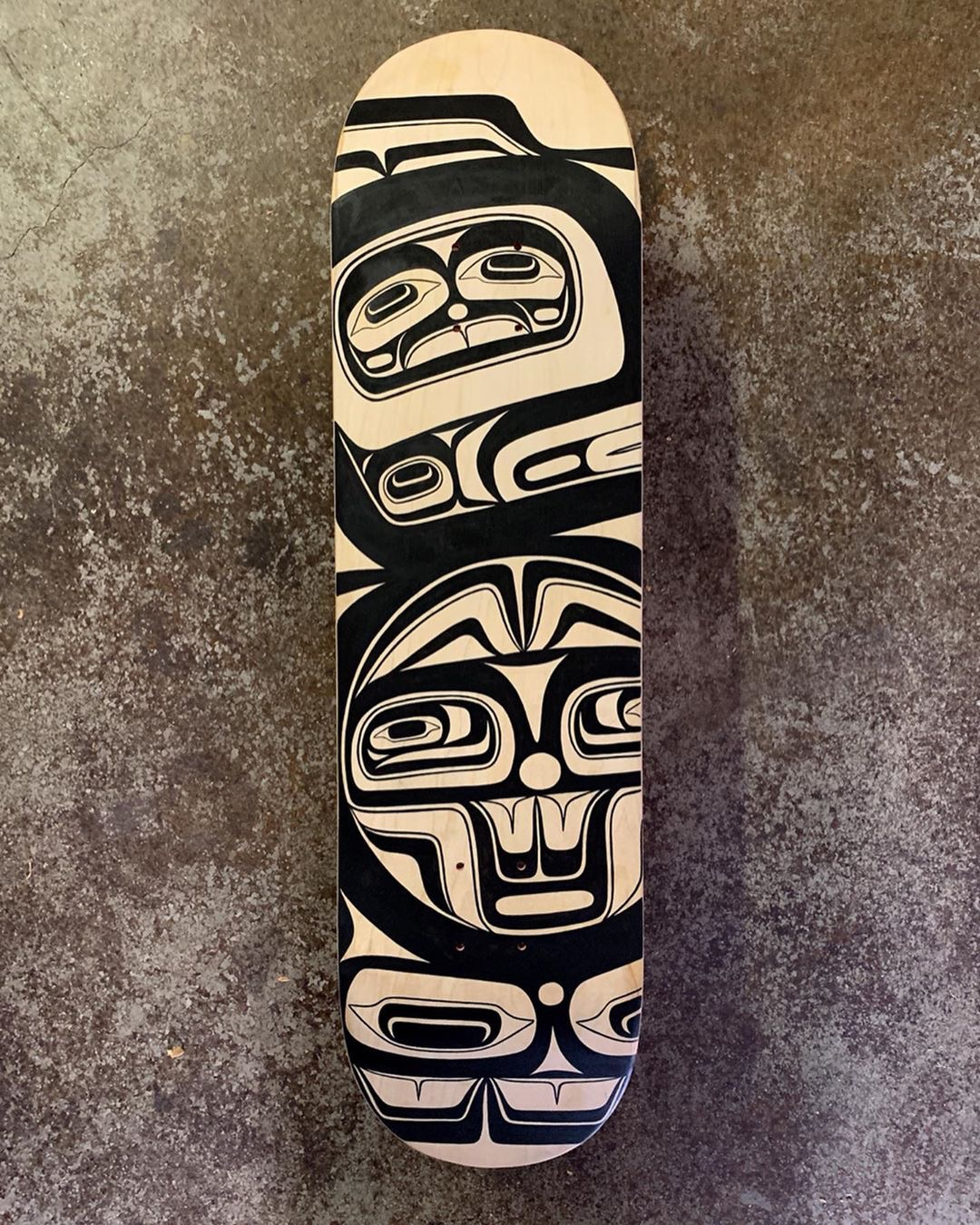 Raven Screens Rendition / Skateboard Deck