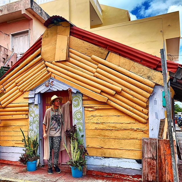 Colorful casita on @isla_mujeres  With @sharon_rose_style & @wombeingrising