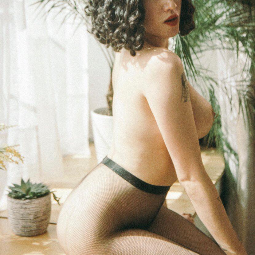 Josephine-NYC-fetish-curvy-escort.jpg