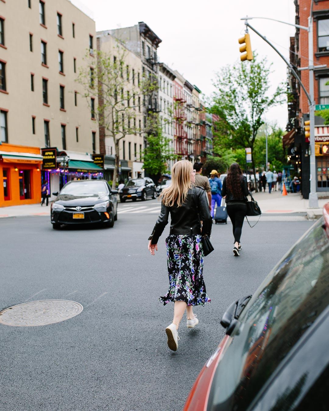 fletkefoto_LES-woman-crossing-spring-in-step-blonde-radiant_web-res.jpg